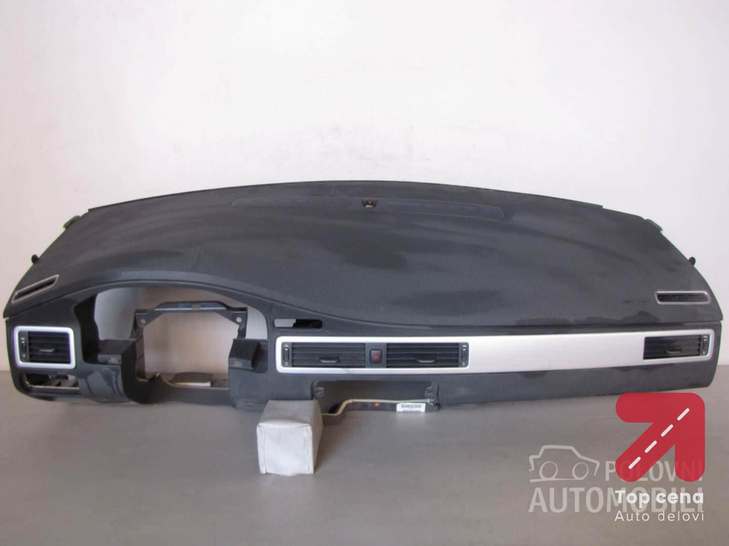 INSTRUMENT TABLA AIRBAG za Volvo V70 od 2008. do 2011. god.